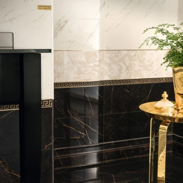 T10456--VERSACE-MARBLE-NERO-COVER